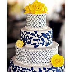 #mulpix Apaixonada por esse bolo!!!  Adoro azul marinho com amarelo e está usando super para decoração de casamento!  #casamento  #decoração  #bolo  #bolodecasamento  #wedding  #weddingday  #weddingcake  #justbride