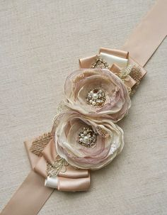 Rustic Bridal Sash Bridal Belt Wedding Dress Sash Flower Sash Champagne Beige Tan Gold Vintage Shabby Chic Burlap Lace Wedding Accessory