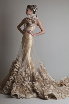 Closure, Krikor Jabotian's latest bridal couture collection, is not for the faint-hearted or shy bride. Meant to stand out amongst the sea of wedding gowns, brides can expect gowns that. Beautiful Gowns, Beautiful Outfits, Krikor Jabotian, Non Plus Ultra, Mode Glamour, Sequin Wedding, Bridal Gowns, Wedding Dresses, Sophisticated Bride