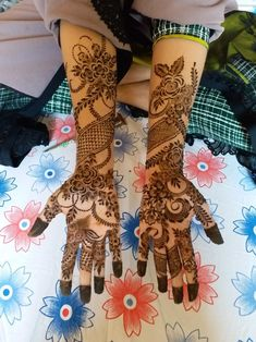 Modern Henna Designs, Henna Flower Designs, Wedding Henna Designs, Latest Bridal Mehndi Designs, Henna Art Designs, Mehndi Designs For Girls, Latest Mehndi Designs, Khafif Mehndi Design, Dulhan Mehndi Designs