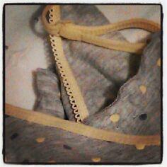 Photo by la_lectora • Instagram Camisa de dormir estil #lagatera ? Cinnamon Sticks, Spices, Instagram, Sleep Shirt, Spice