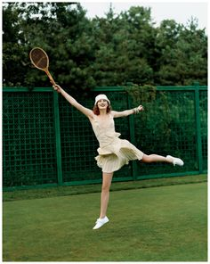 tennis | Karen Elson by Arthur Elgort, Vogue, November 2003 #vintage #style #fashion