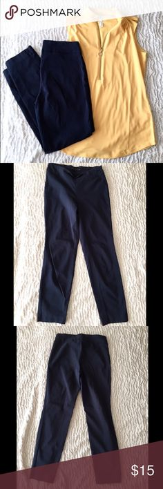 "Harvé  Benard Cropped Pants | 4 | NavyBenard Stretchy/Spandex pull on comfy cropped pants for work. 25.5"" inseam  14"" has Harve Benard Pants"