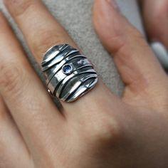 Saddle Ring Sterling Silver Organic Wave Pattern Tanzanite