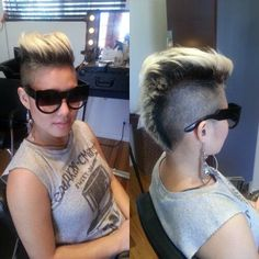 Transitioning into a Mo-Hawk Short Hair Mohawk, Girl Mohawk, Undercut Hairstyles, Hairstyles With Bangs, Short Hair Cuts, Cool Hairstyles, Short Hair Styles, Pixie Mohawk, Hairdos