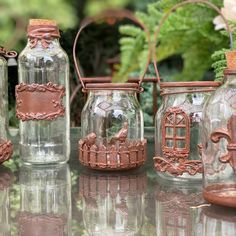 Glass Bottle Crafts, Glass Bottles, Country Paintings, Altered Bottles, Mason Jar Wine Glass, Garden Art, Crafts To Make, Decoupage, Christmas Crafts