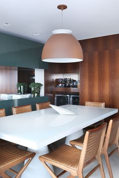 Decoração, Decoração de apartamento, luz natural, ambiente integrado, revestimento, porcelanato, madeira, sala de jantar.