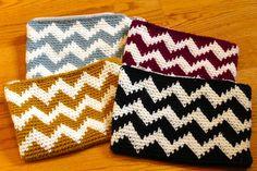 Sans Limites Crochet: The Chevron Mini Clutch