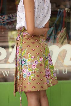 Wrap skirt with Asian floral print by MESIMU on Etsy, $19.00