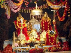 """Vaishno Devi, also known as Mata Rani and Vaishnavi, is a manifestation of Hind Goddess or Durga. The words """"Maa"""" and """"Mata"""" are commonly used for Mothers in Hinduism Vaishno Mata, Mata Vaishno Devi, Mata Rani, Srinagar, Volvo, Kashmir Tour, Travel Photographie, Shiva Wallpaper, Hd Wallpaper"""