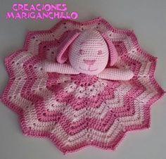 Como hacer una mantita de apego paso a paso Crochet For Kids, Crochet Baby, Knit Crochet, Dou Dou, Crochet Stars, Security Blanket, Everything Baby, Baby Kids, Crochet Patterns