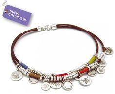 e4566b51df76 COLLAR CICLON 8601 ¡ENVIO GRATUITO! Collar Ciclón de cuero con linos  cosidos y charms de chapitas. Cierre de garfio. P.V.P.  39€