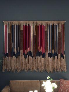Macrame Design, Macrame Art, Macrame Projects, Weaving Textiles, Weaving Art, Tapestry Weaving, Boho Tapestry, Yarn Wall Art, Diy Wall Art