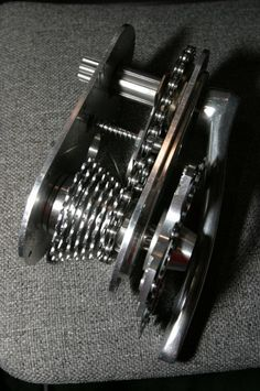 A brief pictorial history of internal #bicycle #gearboxes See: http://www.g-boxx.org/10-bikes_history.html