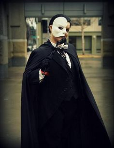 Phantom of the Opera  Cosplayer: Phantress Saphira SacAnime Winter 2013 Sacramento, California
