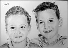Dessin au crayon d'aprés photos sur commande.Je réalise des portraits réalistes d'aprés vos photos. Retrouvez moi sur facebook. Samos17 portraitiste et egallement plus d'infos sur mon site officiel.www.samos17.fr