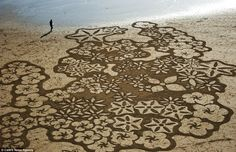 Giant-Beach-Art-By-Andres-Amador