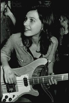 nette bilder von bass mädels | Seite 242 | Musiker-Board