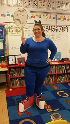 Pete the Cat Rocking in My School Shoes!  Character costume. By Katie Venable