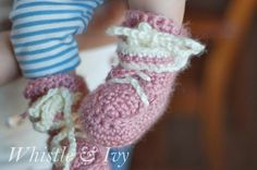 baby moccasins boots booties free crochet pattern