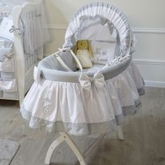 Bassinet - Pharell - by Cocon dAmour Baby Basinets, Baby Crib Sets, Baby Nest, Baby Cribs, Baby Sleep, Baby Love, Wooden Cradle, Moses Basket, Best Mattress
