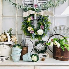 Farmhouse Easter Decor Inspiration (plus 3 female entrepreneurs and their handcrafted items! French Decor, French Country Decorating, Farmhouse Style, Farmhouse Decor, Wooden Flowers, Spring Party, Diy Arts And Crafts, Shabby Chic Decor, Seasonal Decor