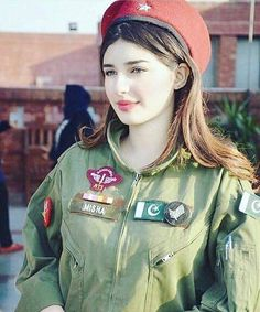Top Countries with Most Attractive Female Soldiers. A boring dark colored, non-funky dress that can make anybody look dull & dry anytime. People usually wear uniform due to some official requirement of it to wear. Beautiful Muslim Women, Beautiful Girl Image, Beautiful Hijab, Girl Photo Poses, Girl Photography Poses, Girl Photos, Pakistani Girls Pic, Muslim Beauty, Female Soldier