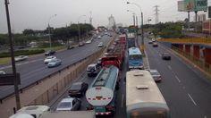 Puente destruido en Panamericana Sur genera caos vehicular