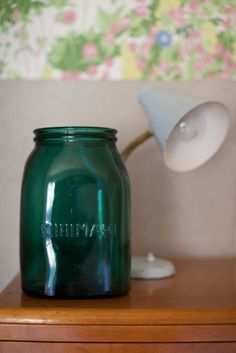 Riihimäen lasi Finland Old Ads, Mason Jar Lamp, Retro Design, Glass Design, Finland, Table Decorations, Tableware, Green, Plating