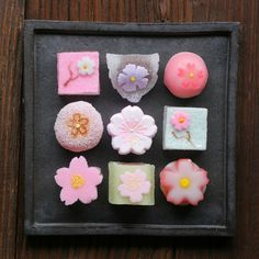 Japanese Sweets, wagashi, Sakura Themed Jelly Candies by bananagranola (busy)… Japanese Sweets, Japanese Wagashi, Japanese Food Art, Japanese Cake, Japanese Colors, Mochi, Bento, Asian Desserts, Gourmet Desserts
