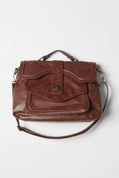 school bag! nice vintage touch :)