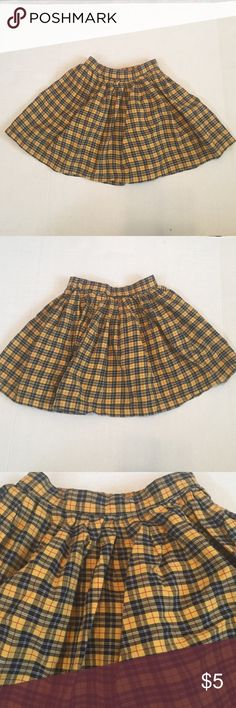 💜size 6 skirt Cute yellow plaid skirt.   🎈buy 3 kids items for $15, or 5 for $20!  Use bundle and offer 🎈 Bottoms Skirts