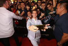"Pin for Later: ""Sag' Cheese!"" Die besten Selfies der Stars Andrew Garfield"