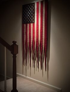 american flag art Add some rustic charm to your home decor with this verticle hanging weathered American battle flag. The American battle flag sign has tattered ends to represent old American Flag Wall Art, Large American Flag, Wooden American Flag, Wooden Flag, American Pride, Woodworking Items That Sell, Woodworking Furniture, Flag Signs, Old Glory