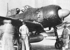 Combatiente A6M5c Modelo 52C. Cañón de 20 mm y ametralladora de 13,2 mm en el ala