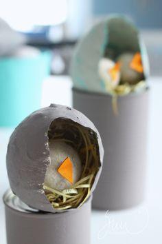 Paperimunia ja DIY-liimaa ja huopatipuja