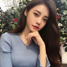 @bmlcosmetics #BML #비엠엘 #비엠엘코스메틱 #끌레드레브 #달빛틴트 Korean Beauty Girls, Korean Girl, Asian Beauty, Korean Style, Ulzzang Fashion, Ulzzang Girl, Korean Fashion, Ulzzang Couple, Korean Makeup Look