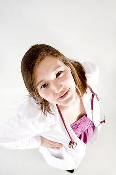 Healthcare Professionals Increase Social Media Usage To Find Jobs - http://socialbarrel.com/healthcare-professionals-increase-social-media-usage-find-jobs/54118/