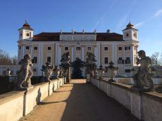 Zámek Milotice ve městě Milotice Praha, Beautiful Castles, Czech Republic, Poland, Cathedral, Medieval, To Go, Rock, Mansions