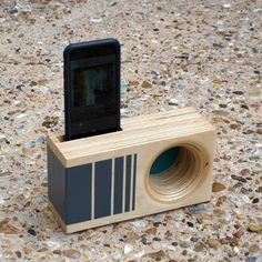 Items similar to Design Your Own DOCK Box - Acoustic iPhone Amplifier on Etsy Wood Projects, Woodworking Projects, Wood Phone Holder, Iphone Docking Station, Passive Speaker, Making Musical Instruments, Support Telephone, Diy Speakers, Diy Desk