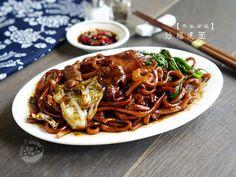 A taste of memories -- Echo's Kitchen: 【吉隆坡炒福建大碌面】KL Hokkien Mee/Stir Fried Thick Noodle
