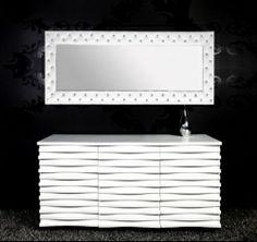 http://www.star-interior-design.com/COMPLEMENTI-Arredo/Specchi/1401-Specchio-Moderno-CHESTER-STRASS-Bianco-170x60cm-QUADRO-DECORAT.html