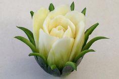 se faire une rose blanche en courgette - idée originale de déco                                                                                                                                                                                 More