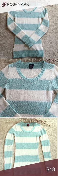 Adorable Aqua/Ivory/Silver Striped Sequins Sweater 🌟Great for the Holidays or Going Out! Looks Amazing with Leggings and Booties or Boots 👢 Lots of Silver Threads Interwoven Throughout Entire Sweater with Silver Sequins Interspersed All over!! SOOO Cute!! Nice & Soft, too! Excellent Condition! 👍🏼🌟 Rue 21 Sweaters