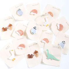 ハリネズミブローチ|_x__yumi__x_ Polymer Clay Crafts, Diy Clay, Resin Crafts, Ceramic Jewelry, Clay Jewelry, Ceramic Art, Handmade Crafts, Diy And Crafts, Plastic Bottle Flowers