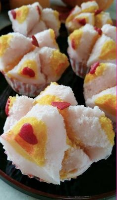 Singapore Home Cooks: Huat Kueh by Jeannie Lee Thai Dessert, Dessert Dishes, Chinese Bread Recipe, Donuts, Cake Recipes, Dessert Recipes, Baking Desserts, Asian Cake, Steam Recipes