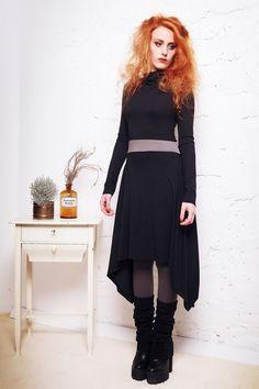 Winter - Kleid raffinierter Schnitt *dunkelgrau* von BERON auf DaWanda.com | Photography: Dino Mari | Model: Alessa Ghoulish