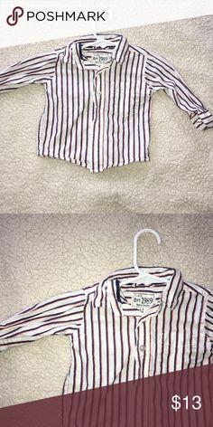 Cute shirt Good condition Shirts & Tops Button Down Shirts