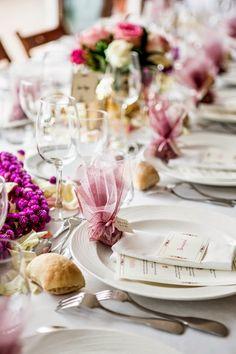 décoration de table rose et mauve