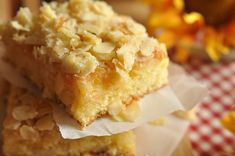 The butter cake recipe, aka Butterkuchen or Zuckerkuchen, is a traditional German cake often served for afternoon coffee. Popular when covered with butter, German Butter Cake, German Apple Cake, German Coffee Cake, Baking Recipes, Cake Recipes, Dessert Recipes, Funeral Cake, Keks Dessert, Sweets